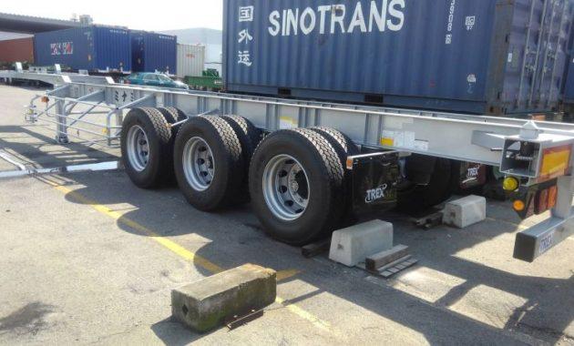 海上コンテナ用シャーシ入ってきました!|輸出入貨物の輸送の運送会社 有限会社ミナミ